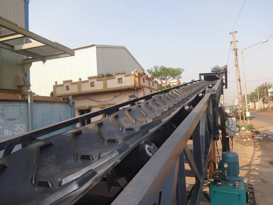 Profiled Chevron Cleated Conveyor Belts for Sandpit,Grain,Fertilizers,Wood Chip and Quarry