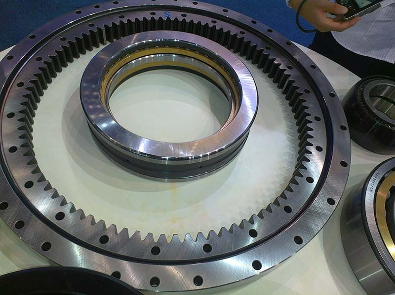 50Mn, 42CrMo China supplier Non-gear External gear Internal gear Lazy susan Roller Slewing bearing