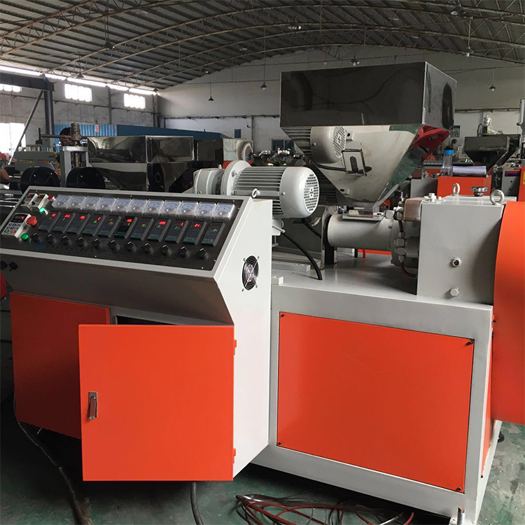 High quality plalstic single screw imitation resemble rattan extruder extrusion line