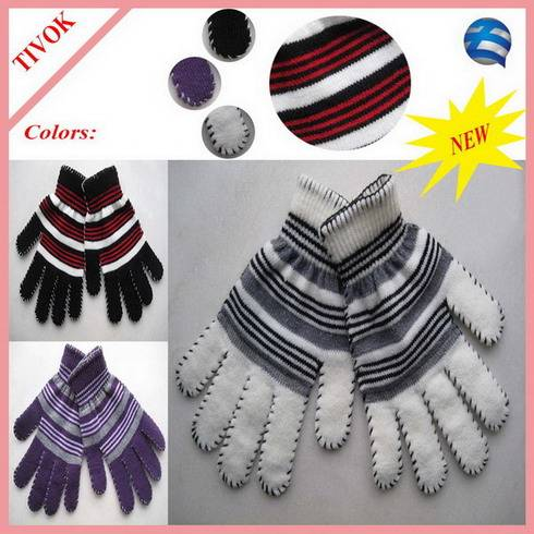 95% Acrylic 5% Spandex Ladies Magic Glove with 2 Color Stripes and Blanket Stitch on Fingers and Cuf