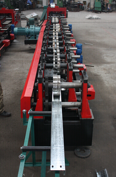 Automatic C/Z Changeable Purlin Roll Forming