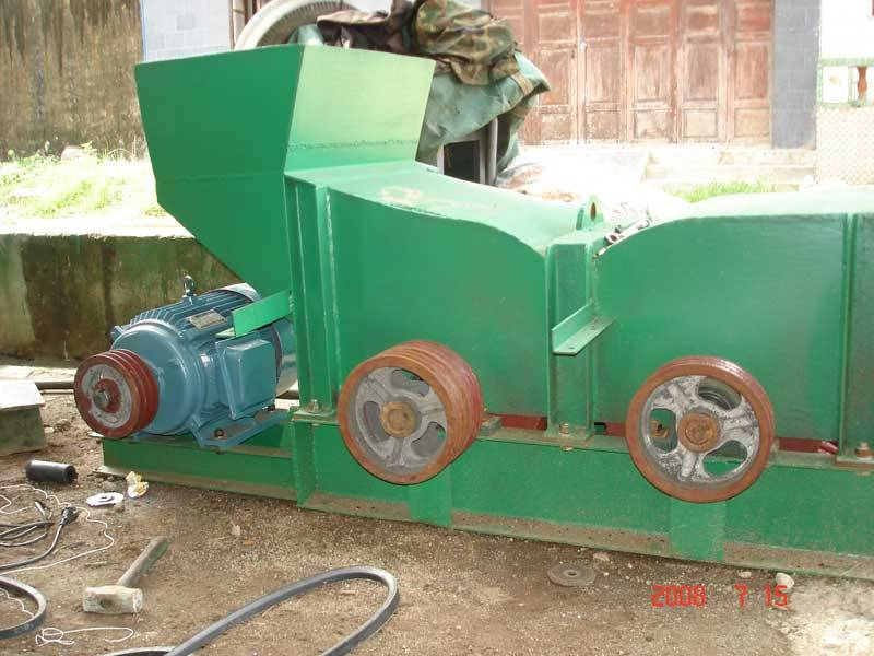 Husk rolling machine (coconut fiber machine-1).