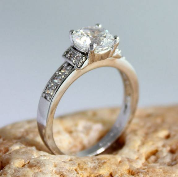 Zirconia Ring with white gold plating