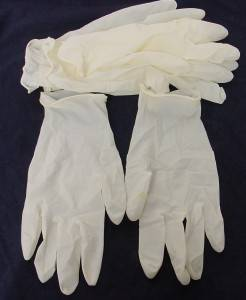 Pre-powdered Latex Gloves