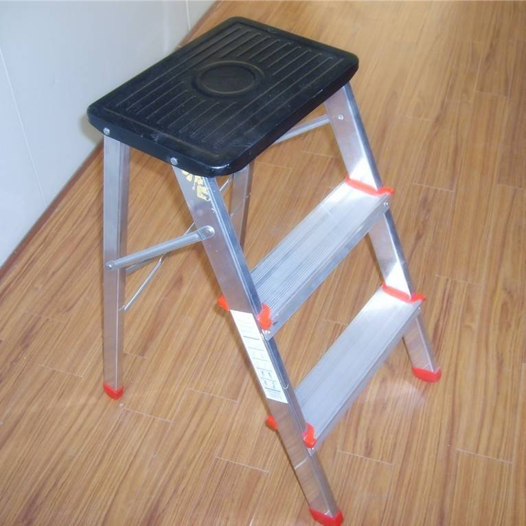 Aluminium household folding step ladder