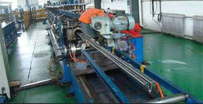 Hollow elevator guide rail roll forming machine