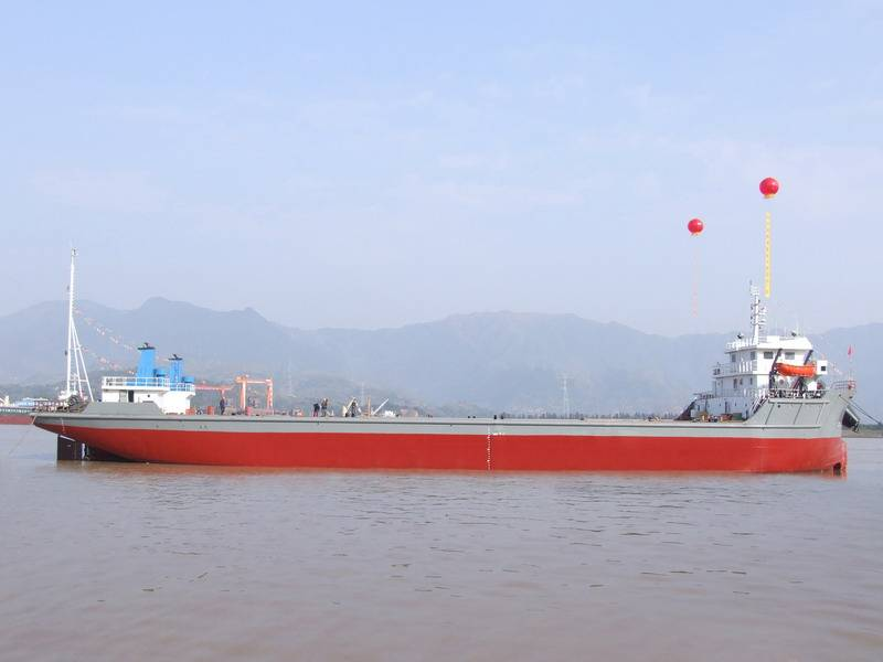 6000 Ton Deck Propelled Barge