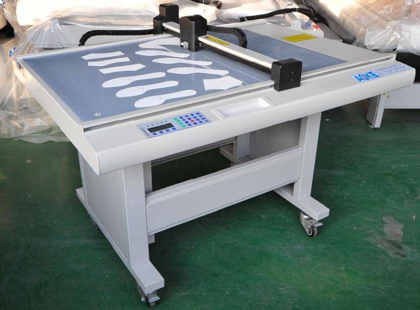 DE1512/1509/1209 garment sample maker machine with cnc