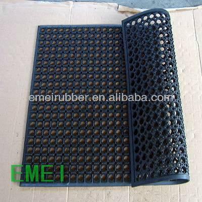 Indoor/outdoor swimming pool antislip mat