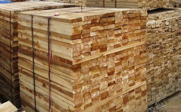 BIG SUPPLIER SAWN TIMBER IN VIETNAM