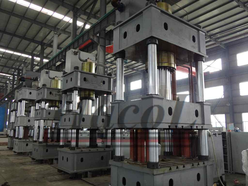 Hydraulic Press Machine with four columns