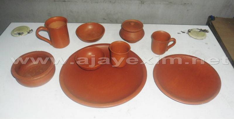 Potter's Clay Dinner Set