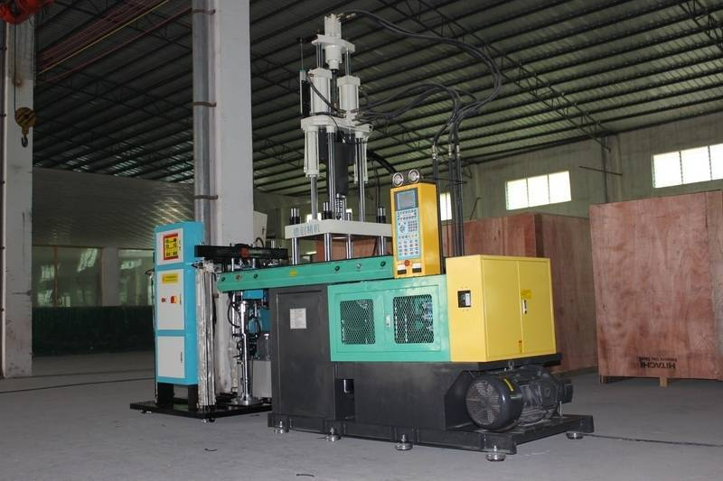 Vertical Ruber Injection Machine