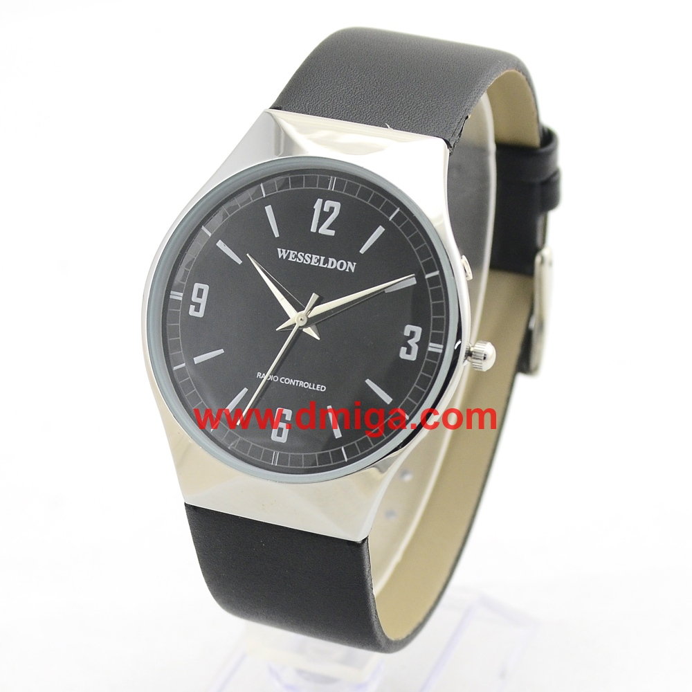 Ultrathin radio controlled watch