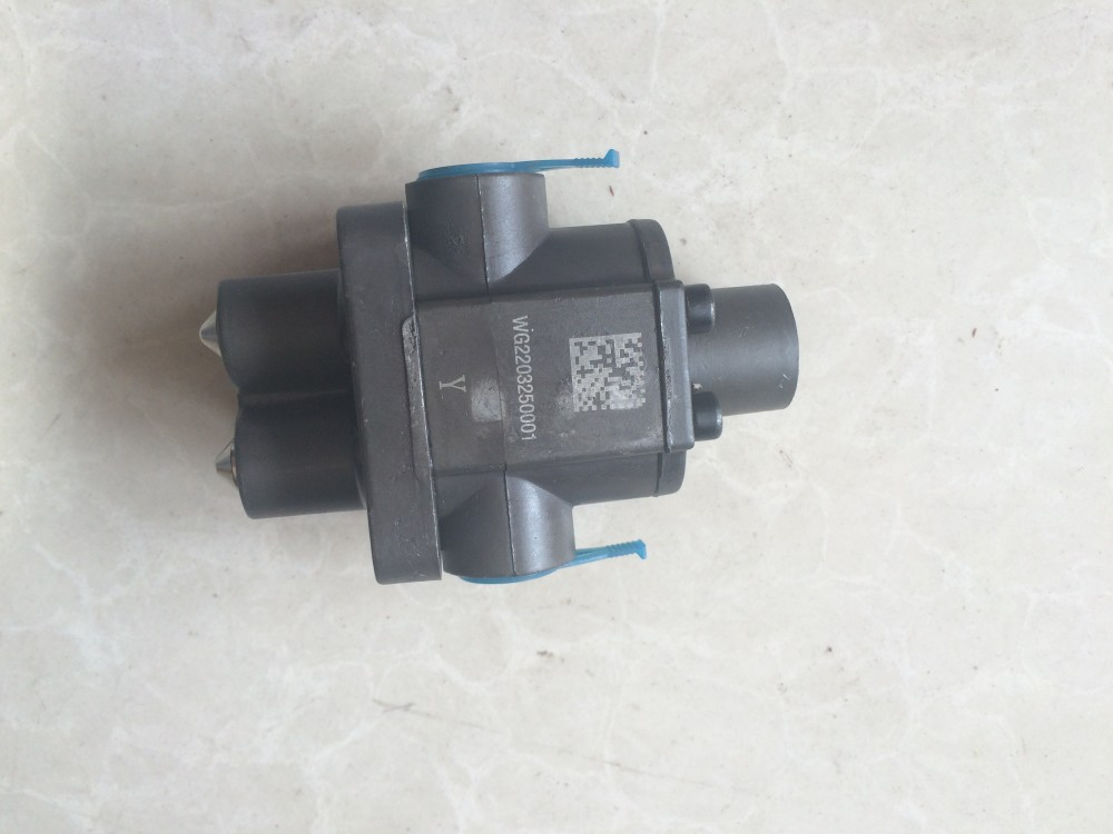 Sinotruk Hoka Howo Truck Spare Parts Transmission Double H Valve
