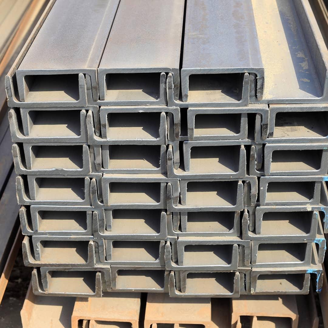 Profile tube of rectangular cross section
