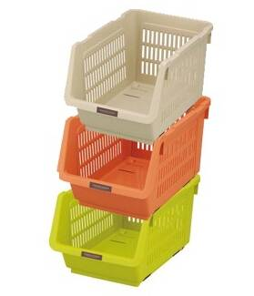 Stacked Storage Basket with Mobile Pulley Yoke