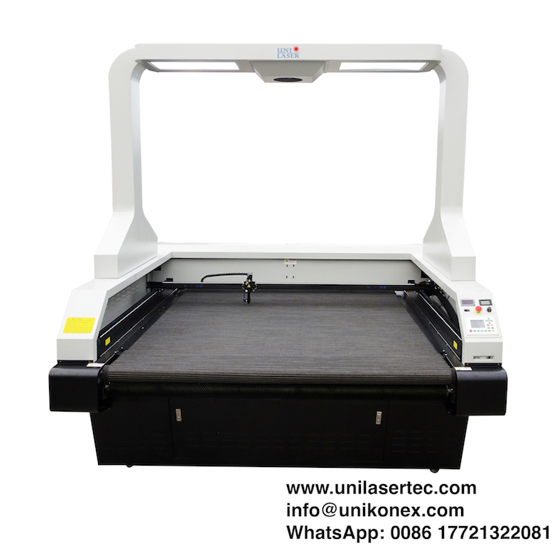 Dye Sublimated Printed Flag Laser Cutting Machine