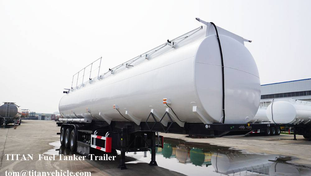 3 Axle 40000 Liters Fuel Tanker Trailer with sinotruck tractor