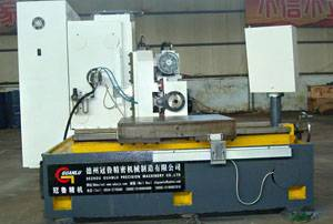 Manul type three dimension deep hole drilling machine