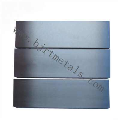 Tungsten plate and tungsten sheet