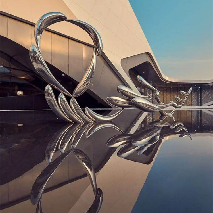 Customized Modern Fish Shaped Stainless Steel Sculpture