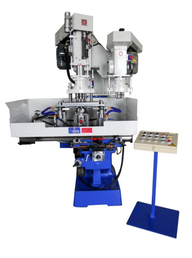Drilling & tapping compound machine with multi-spindle