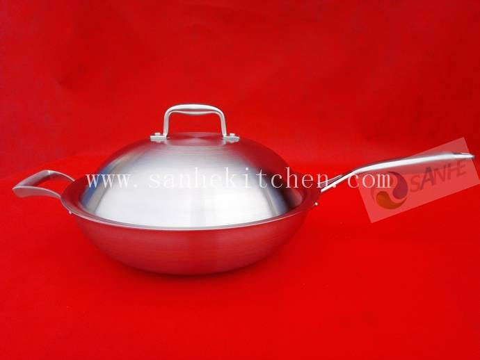 Stainless steel wok,thickness 2.5mm with cast iron handle and help handle
