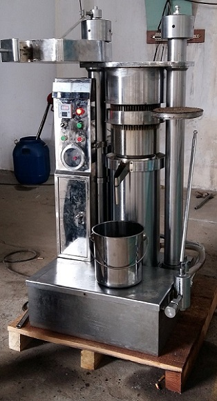 hydraulic sesame oil expeller with smart design