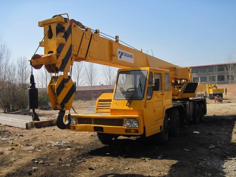 Supply Used Tadano 30ton mobile truck cranes TL300E TG300E.TEL:+8613818259435.