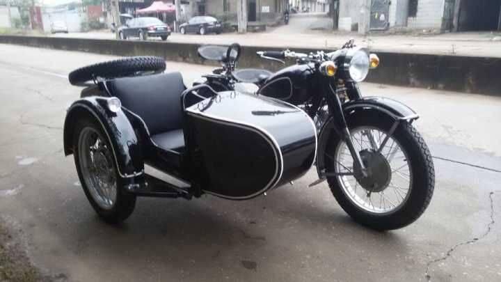 Classic black 750cc Motorcycle Sidecar