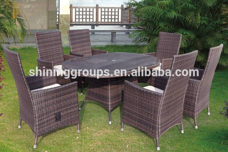 Cheap Restaurant Rattan Furniture Dining Table and Chairs Set