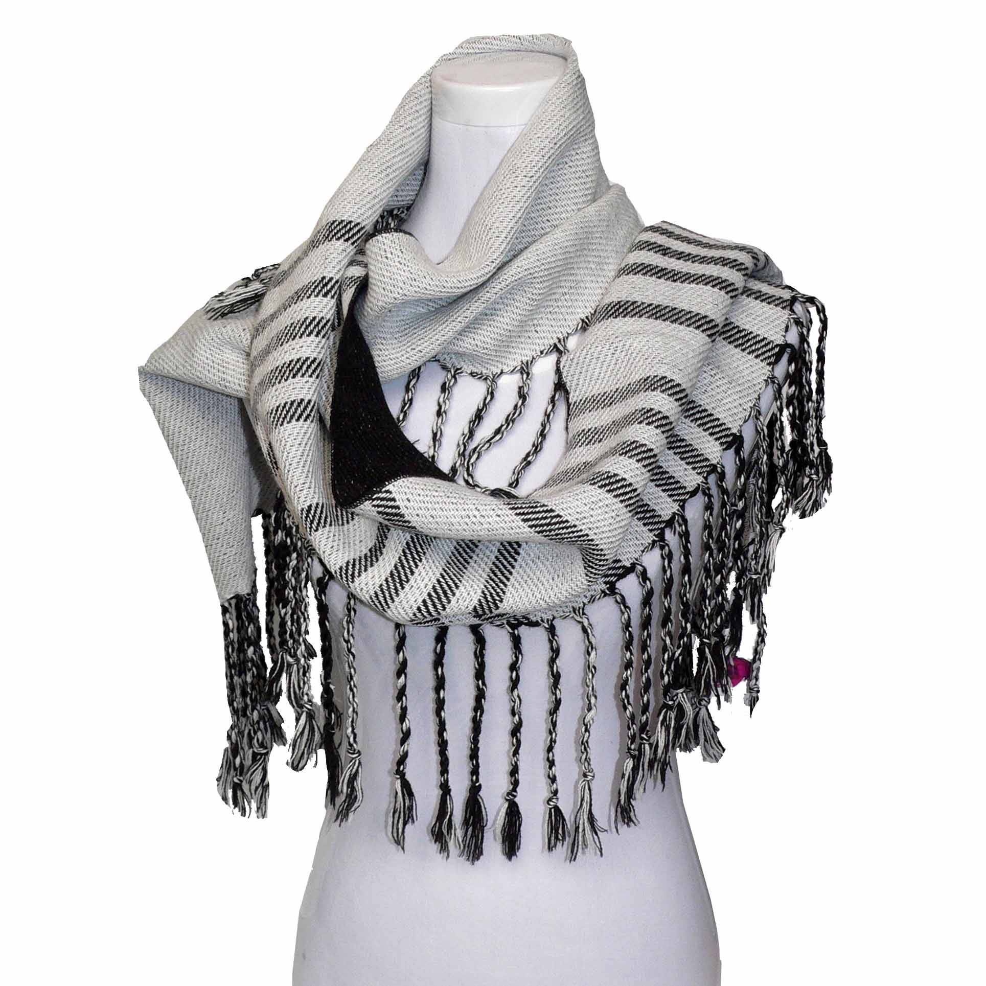 Trihedral fringes & Dual colors scarf