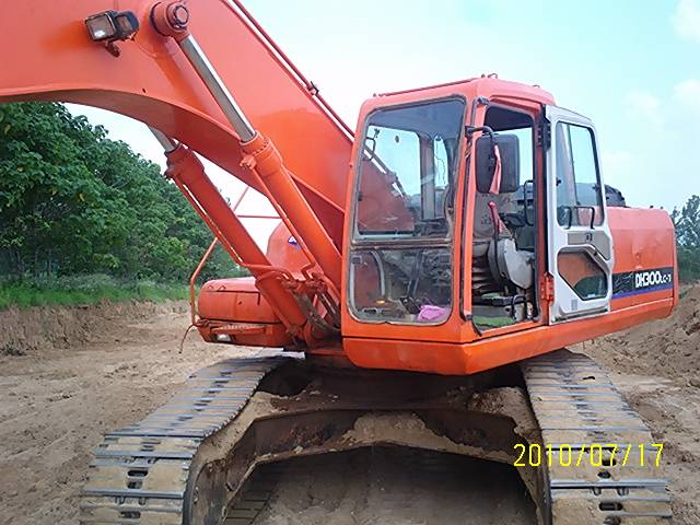 Used Daewoo Excavator DH300-7 with good worked