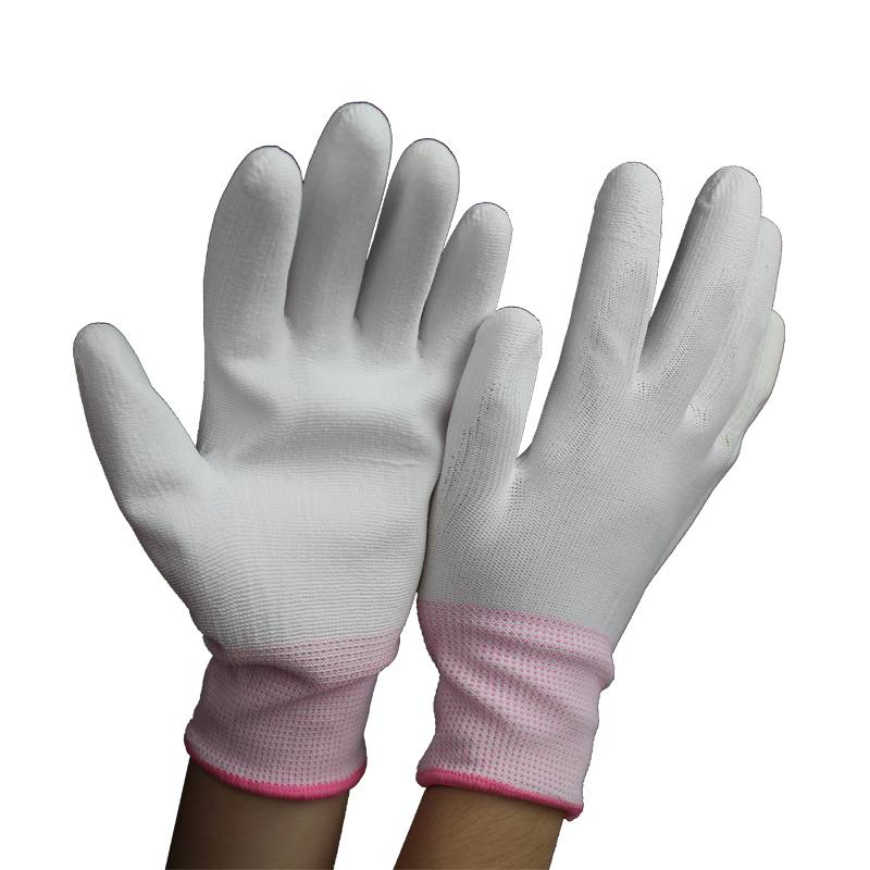 Slip-Proof Low Lint Anti Static Carbon Fiber Gloves With PU Coated Palm