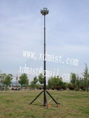 Portable telescopic light mast 3-6M