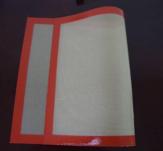 Reusable fiberglass silicone oven mat