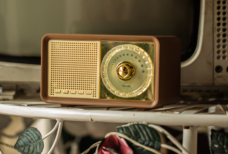 OKA New Coming Retro Bluetooth Speaker with FM