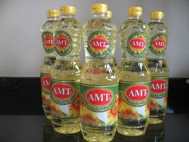 100% refined and Crude Soybean oil..