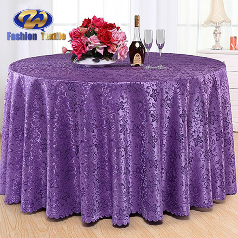 Purple round tablecloths for wedding