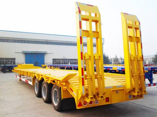 Cheap price heavy duty gooseneck 60tons payload dropdeck semi truck 3 axles low bed trailer sale in