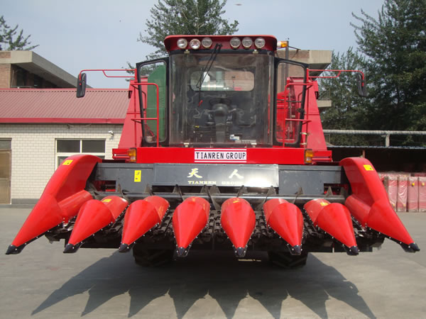 TR9988-7A Self-propelled Corn Picker
