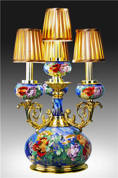 """""""Fish Pursuit for Richness"""" Cloisonne Lamp"""