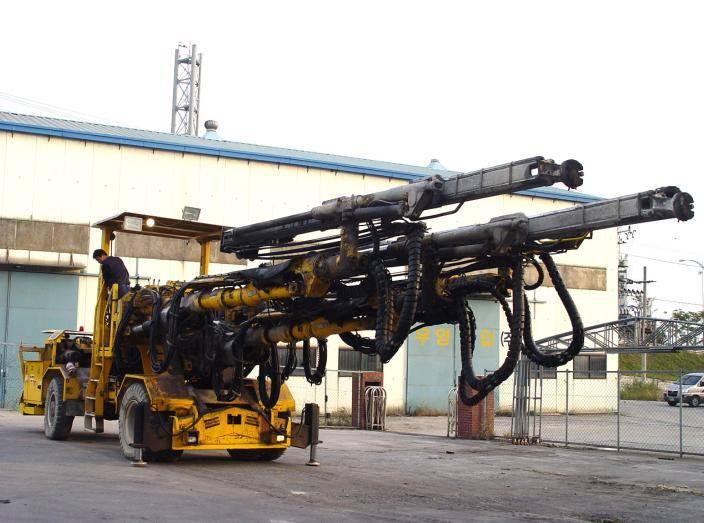 Used ATLAS COPCO BOOMER 353 Jumbo Drill