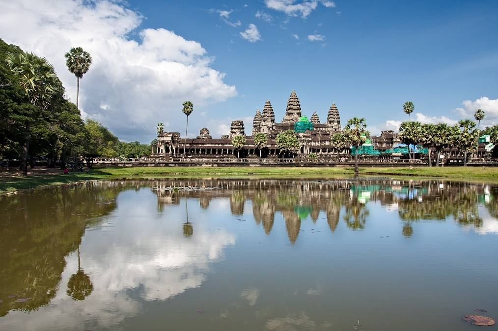 luxury cambodia tour packages