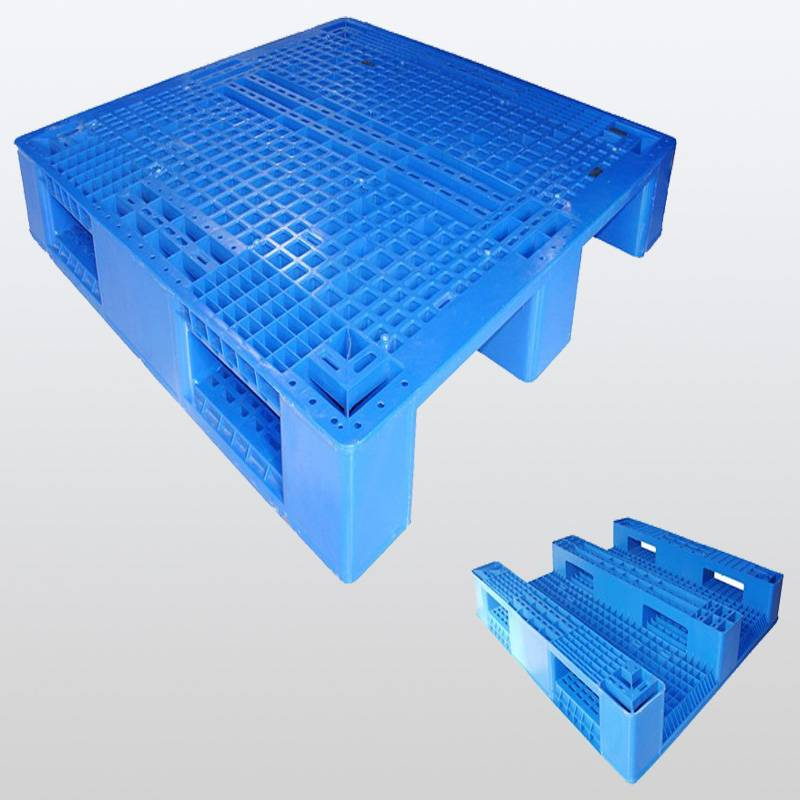 plastic pallet with 3 runners. Grid.1200*1000*150