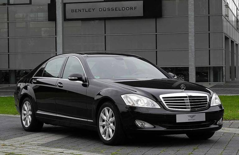 LOT Mercedess Benz used cars with 30 % discount (452 pieces)