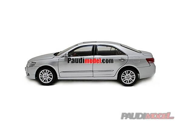 1/18 Toyota Camry 2009 diecast model car Model Building Vehicle, Classic toys, Scale Models, Simulat