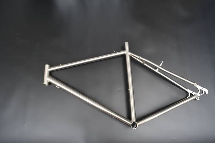 Gr9 titanium frame for bicycle assemble