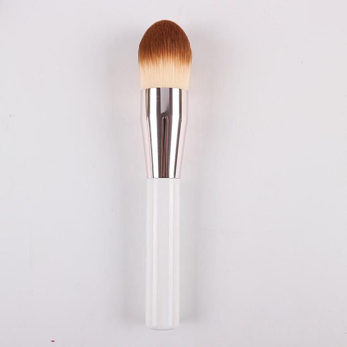 Multifunction Arrowhead Flame Powder Brush Foundation Brush